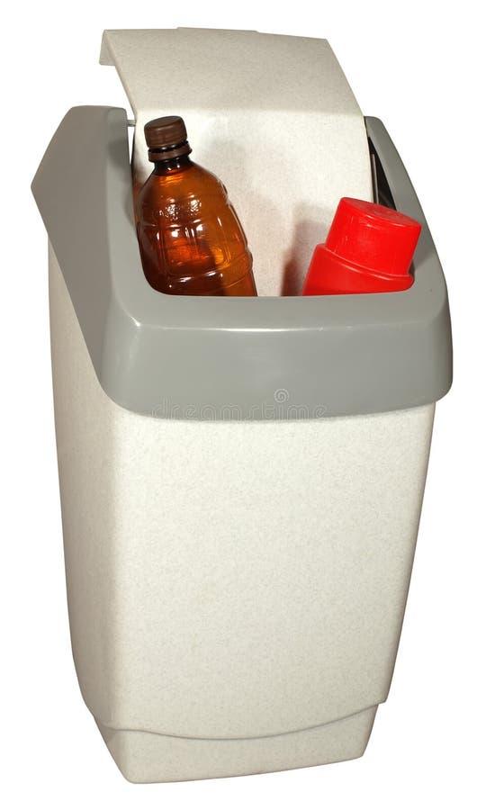Escaninho plástico dos desperdícios fotos de stock