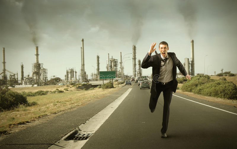 Escape da poluição atmosférica imagens de stock royalty free