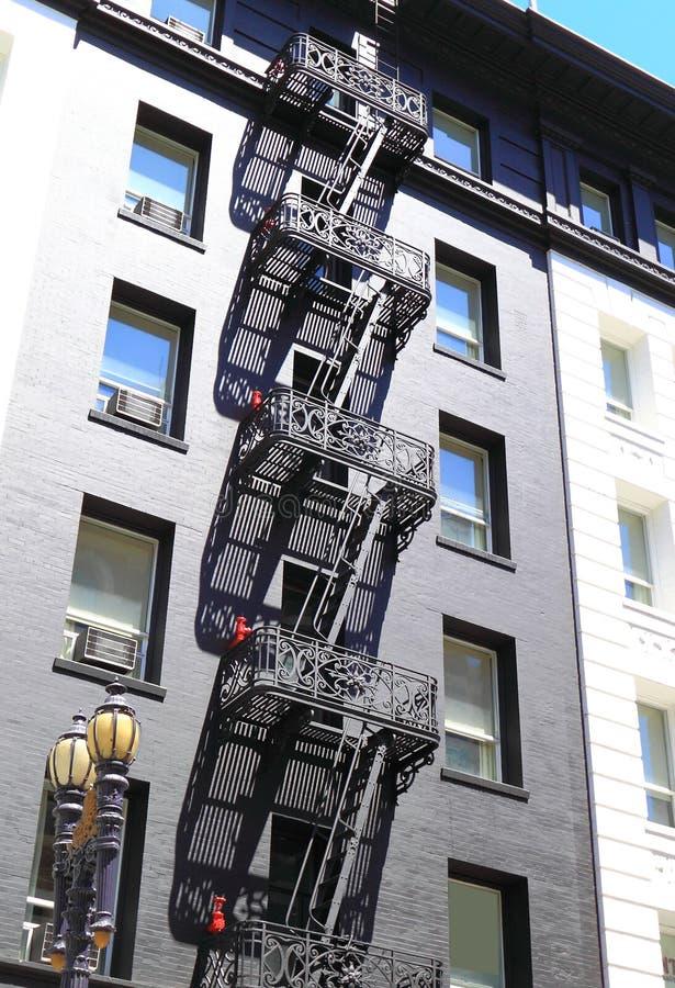 Download Escape de fuego foto de archivo. Imagen de escala, ciudad - 41911002