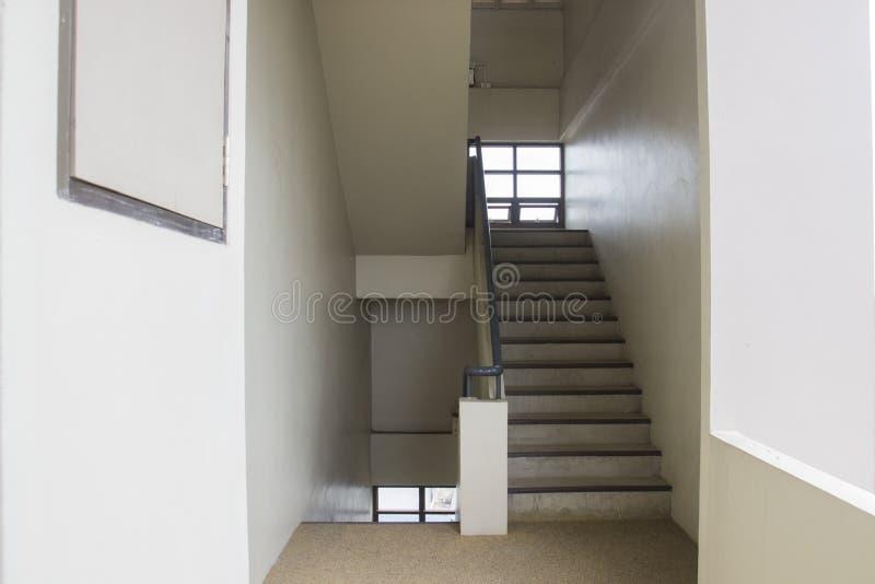 Download Escape de fuego imagen de archivo. Imagen de escaleras - 42438239