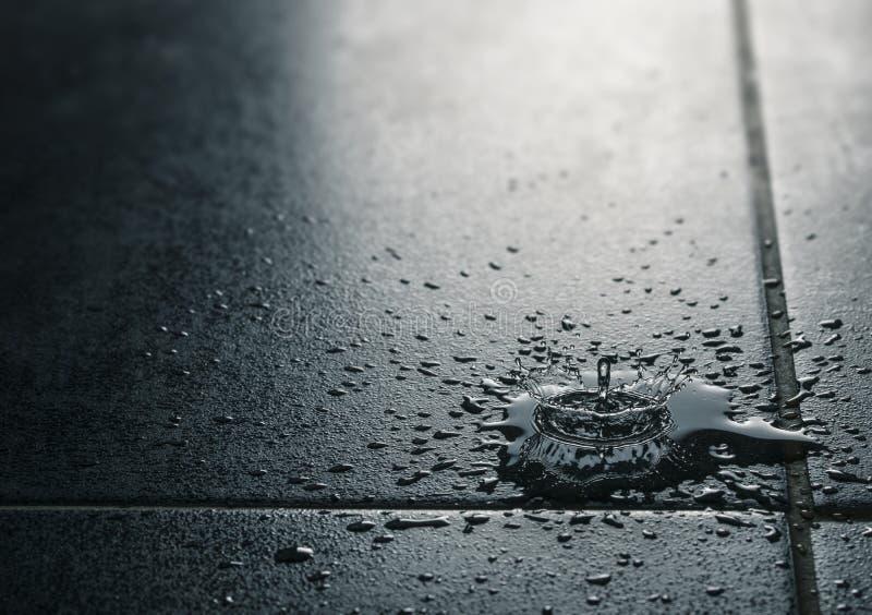 Escape del agua, suelo impermeable de la teja imagen de archivo libre de regalías