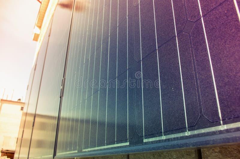 Escapes ligeros en un panel solar foto de archivo libre de regalías