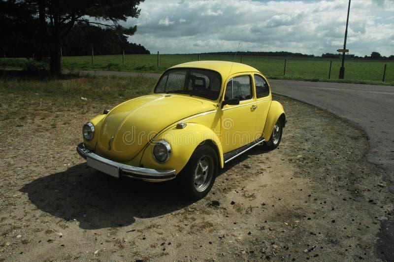 Escarabajo amarillo 1302 de VW imagen de archivo libre de regalías