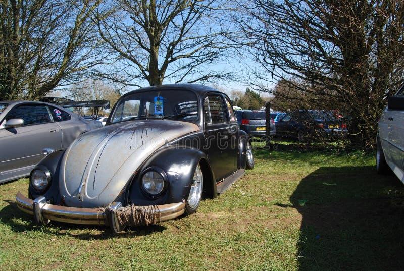 Escarabajo de VW a partir de la segunda guerra en el museo de SinsHeim foto de archivo
