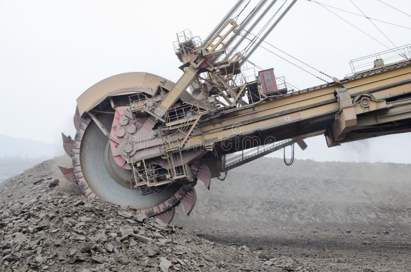 Escavatore enorme del carbone fotografia stock