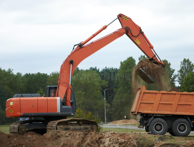 Escavatore Loading Dumper Truck immagine stock libera da diritti