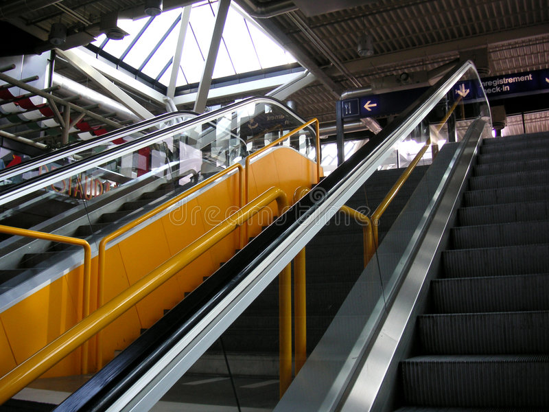 Escelator jaune images libres de droits