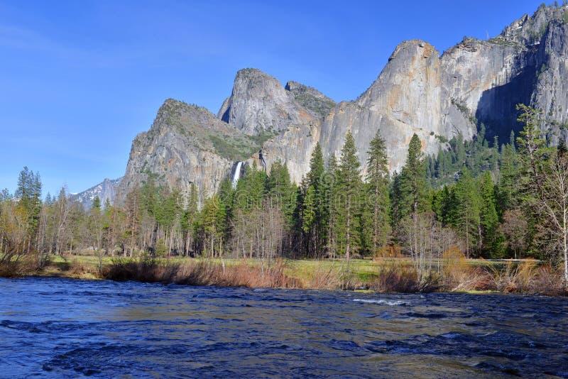 Escena alpina en el parque nacional de Yosemite, Sierra Nevada Mountains, California fotos de archivo libres de regalías