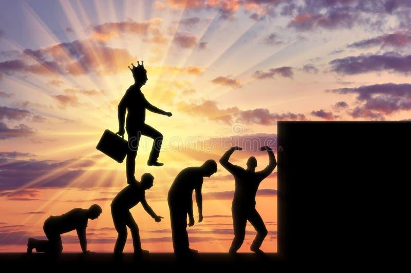 Escena conceptual de un hombre de negocios narcisista y egoísta libre illustration