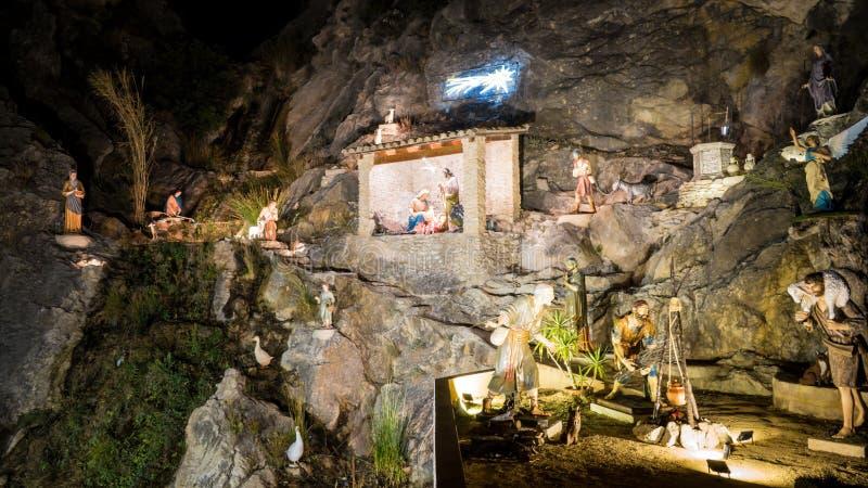 Escena cristiana original de la natividad en una cueva en una ciudad española de Jijona cerca de Alicante, Valencia imágenes de archivo libres de regalías