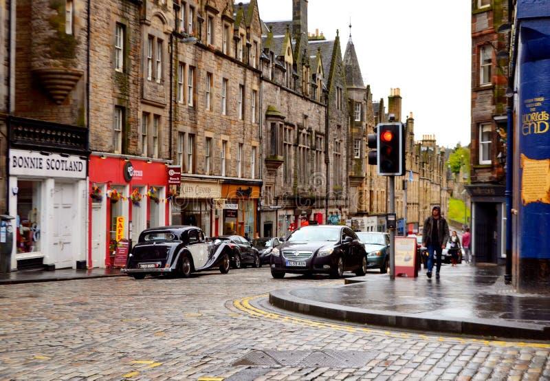 Escena de la calle en Edinborough fotografía de archivo