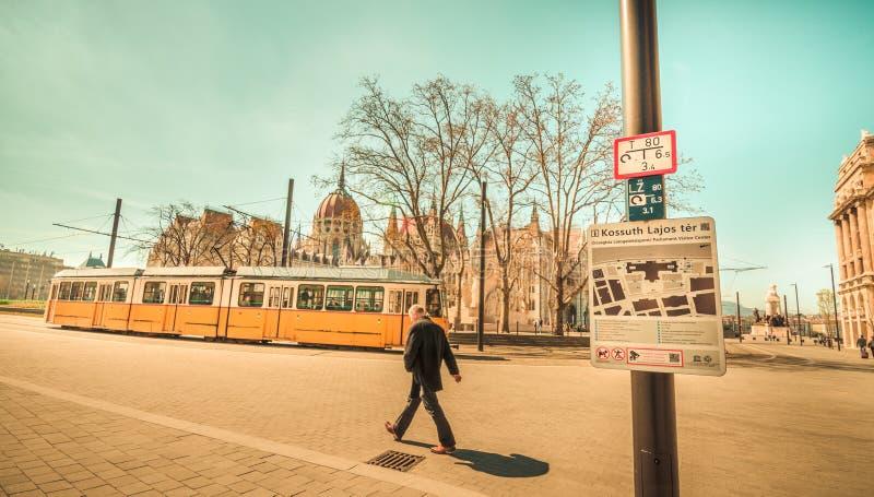 Escena de la ciudad de la mañana de Budapest foto de archivo