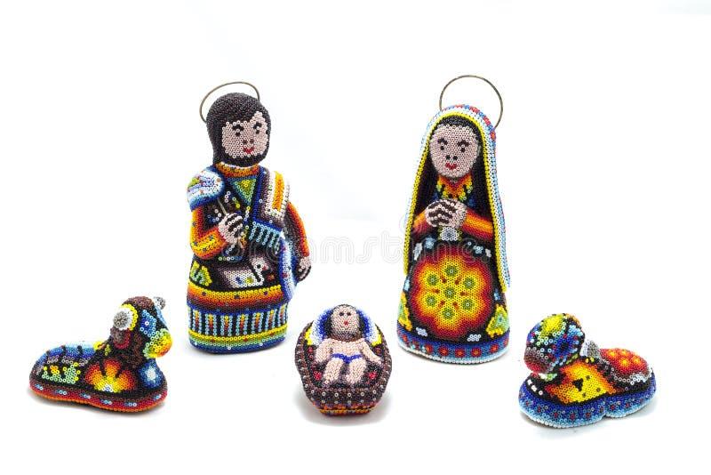 Escena de la natividad de Huichol con las gotas del chaquira fotos de archivo