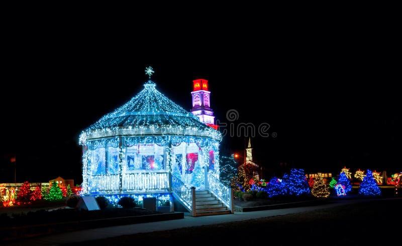Escena de la Navidad del pueblo foto de archivo libre de regalías