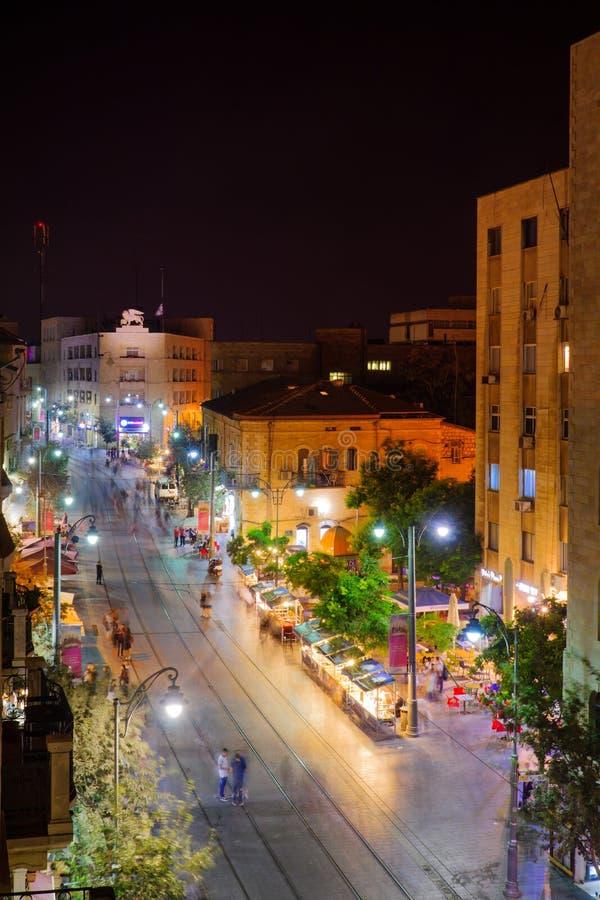 Escena de la noche de la calle de Yafo, Jerusalén imagenes de archivo