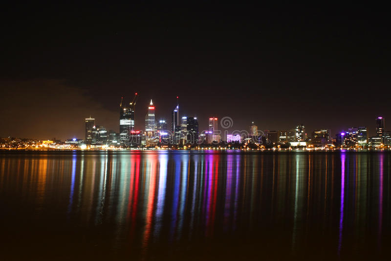 Escena de la noche de la ciudad de Perth imagen de archivo