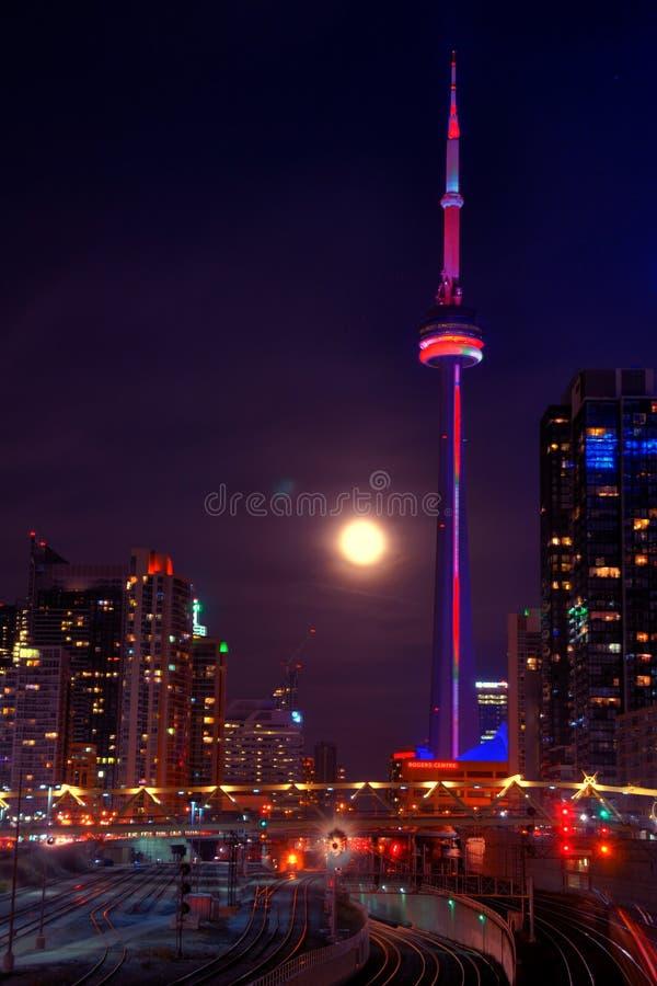 Download Escena De La Noche De Toronto Imagen de archivo - Imagen de carril, noche: 64213419