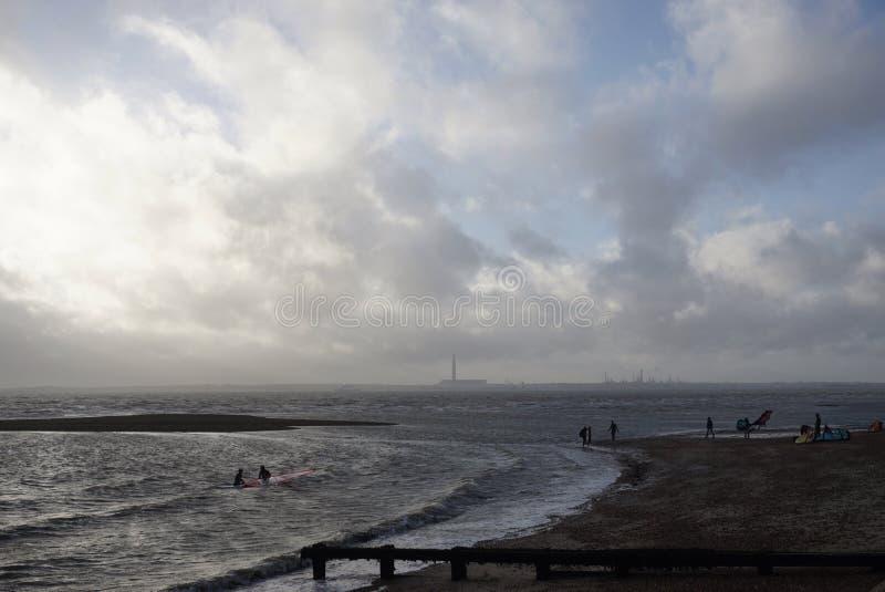 Escena de la playa del invierno de Hampshire fotos de archivo libres de regalías