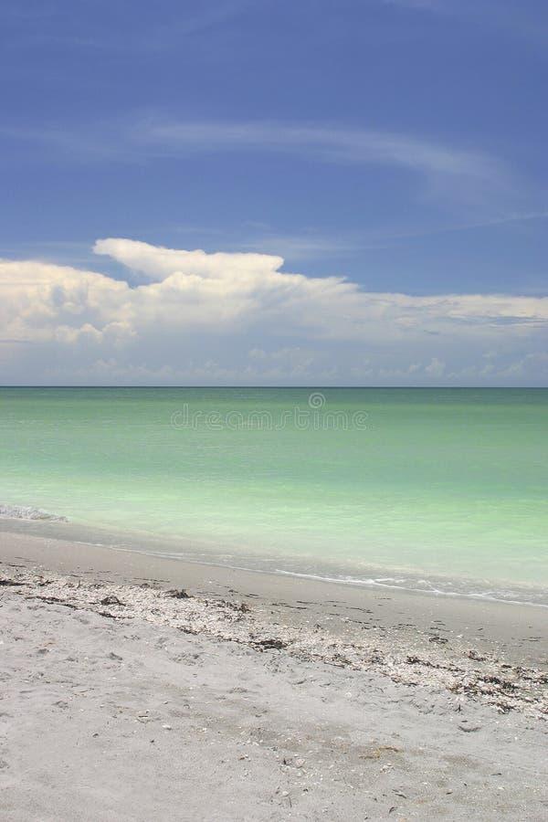 Escena De La Playa Y Del Cielo Fotografía de archivo