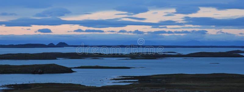 Escena de la puesta del sol cerca de Budardalur imagen de archivo libre de regalías