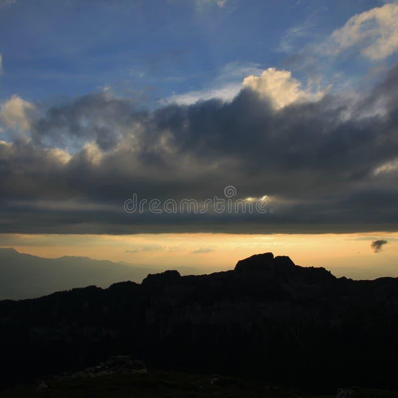 Escena de la tarde en Mt Niederhorn fotografía de archivo