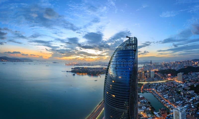 Escena de las torres gemelas de Xiamen Shimao Petronas, China foto de archivo