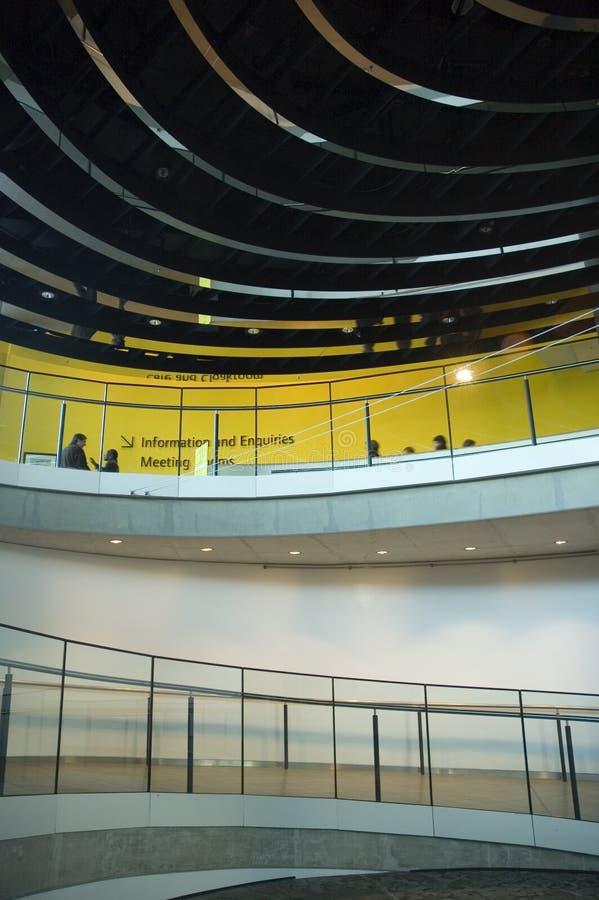 Escena de un lugar de trabajo moderno fotos de archivo libres de regalías