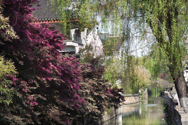 Escena del canal en el distrito del ` s Pingjiang de Suzhou, Suzhou, China fotografía de archivo