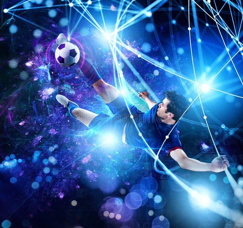 Escena del fútbol con el jugador de fútbol delante de un fondo digital futurista foto de archivo libre de regalías