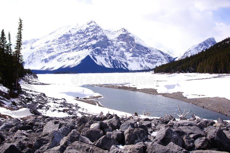 Escena de la montaña del invierno imagen de archivo libre de regalías
