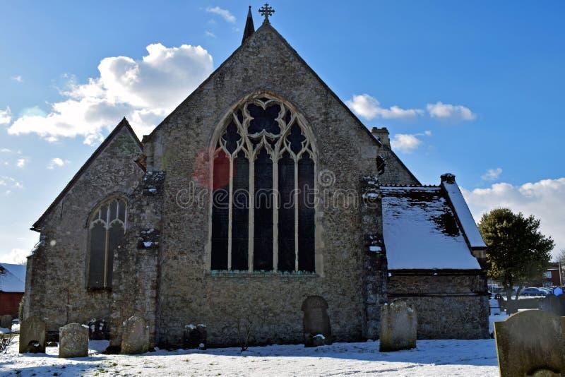 Escena hermosa de la iglesia de la nieve del país de las maravillas del invierno fotos de archivo libres de regalías