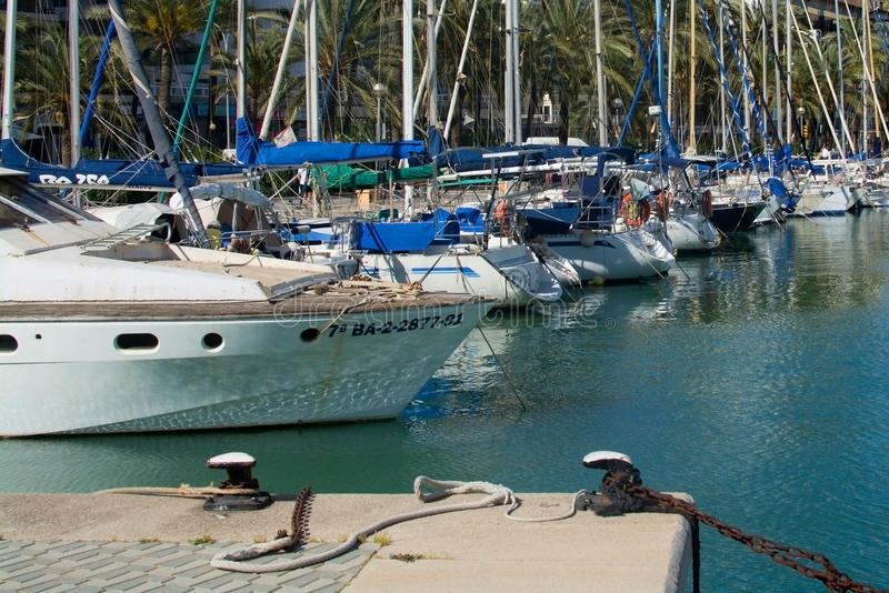Escena marítima mediterránea con los yates fotos de archivo libres de regalías