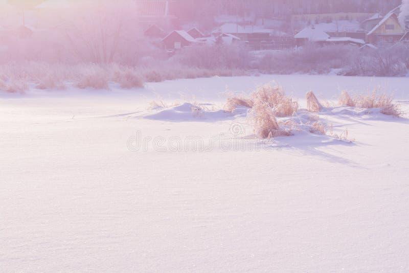 Escena Nevado Río en nieve fotografía de archivo