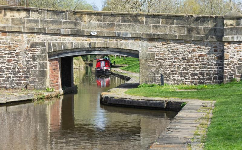 Escena pacífica del canal en el muelle de Llangollen fotos de archivo libres de regalías