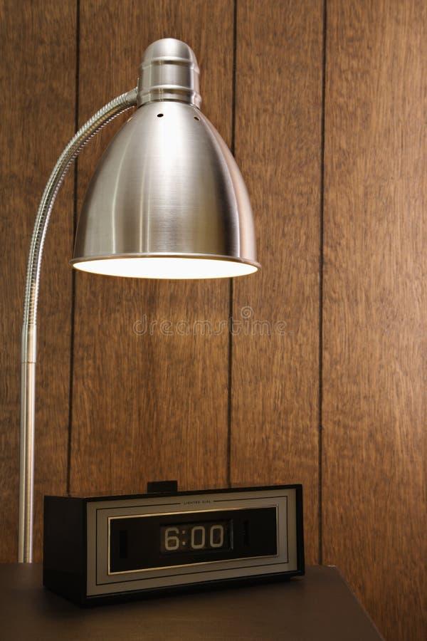 Escena retra de la lámpara de escritorio fotos de archivo libres de regalías