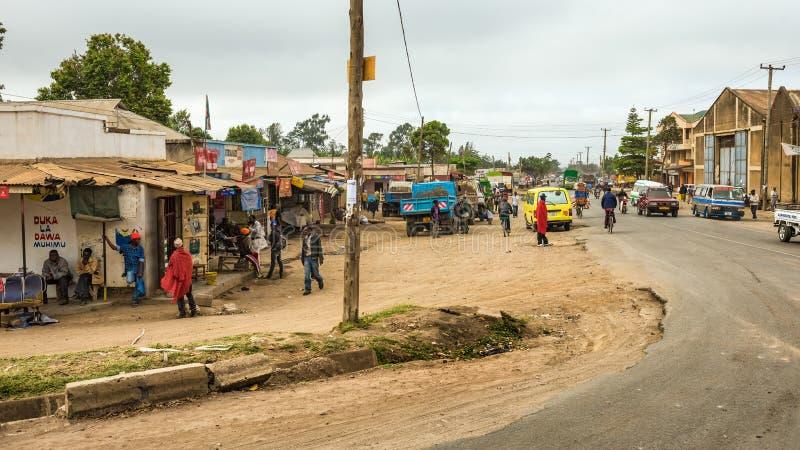 Escena típica de la calle en Arusha, Tanzania imagen de archivo libre de regalías