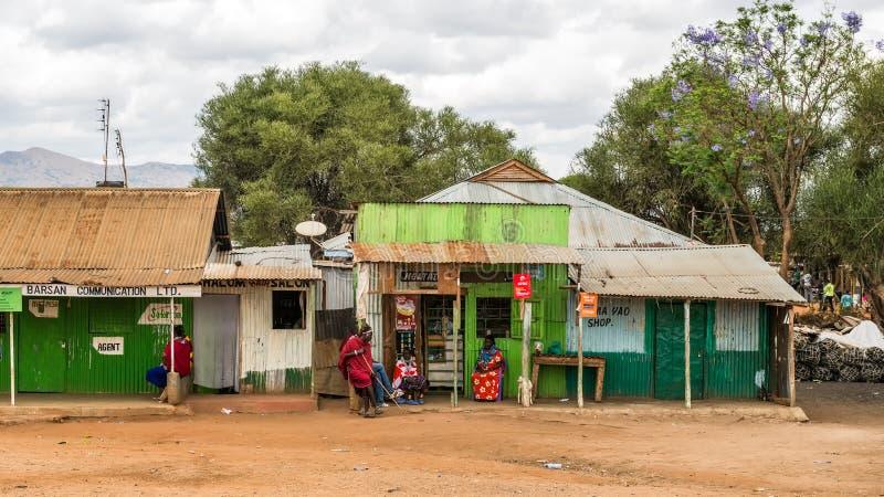 Escena típica de la calle en Namanga, Kenia foto de archivo libre de regalías
