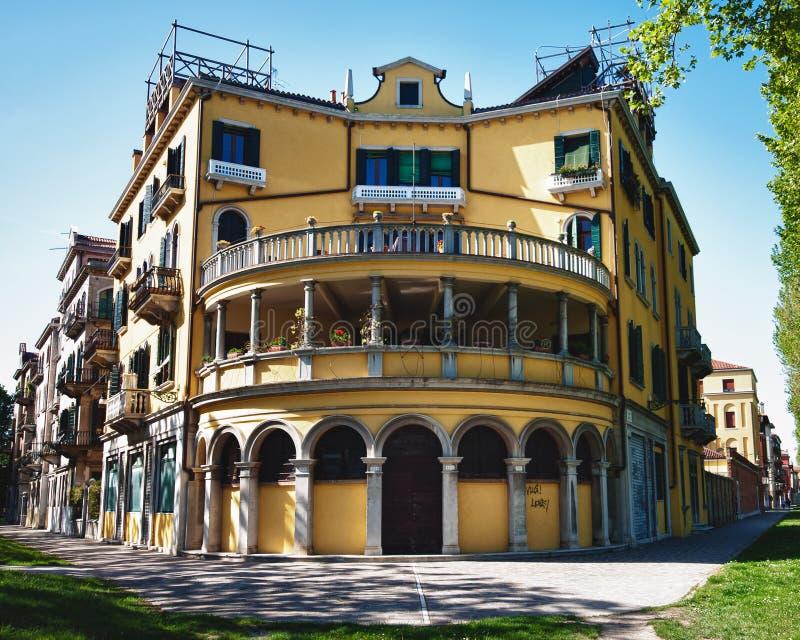 Escena típica de la ciudad de Venecia en Italia. imagen de archivo