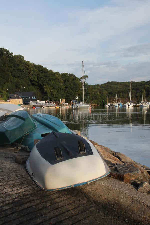 Escena tranquila de los barcos de rowing imagenes de archivo