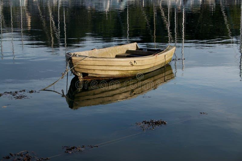 Escena tranquila del barco de rowing imagen de archivo libre de regalías