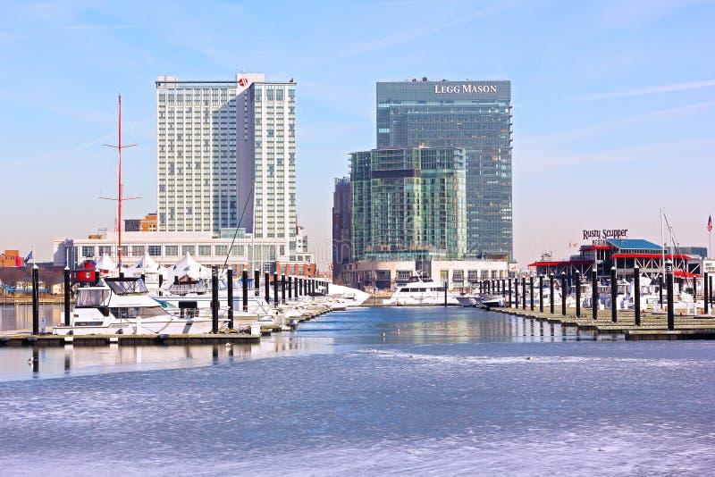 Escena urbana del invierno del puerto interno en Baltimore fotos de archivo