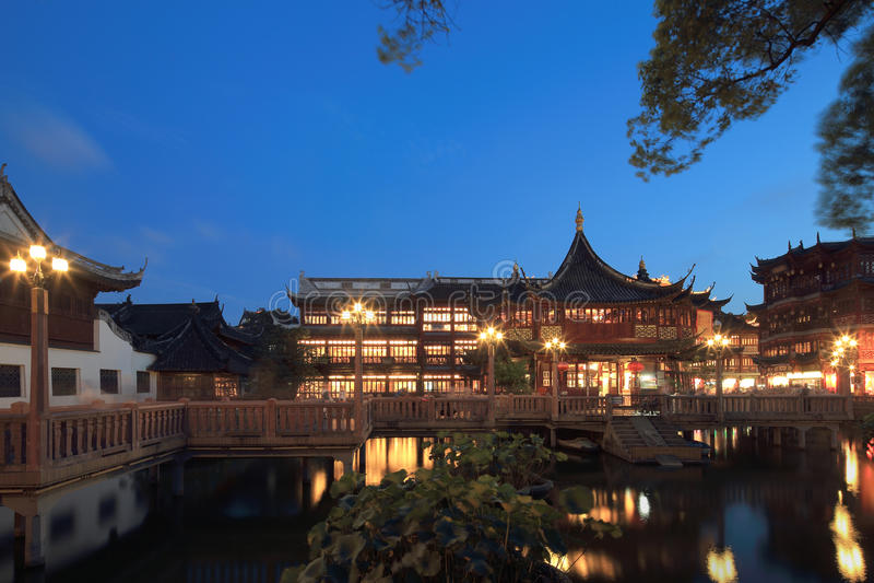 Escena yuyuan de la noche de Shangai imagen de archivo libre de regalías
