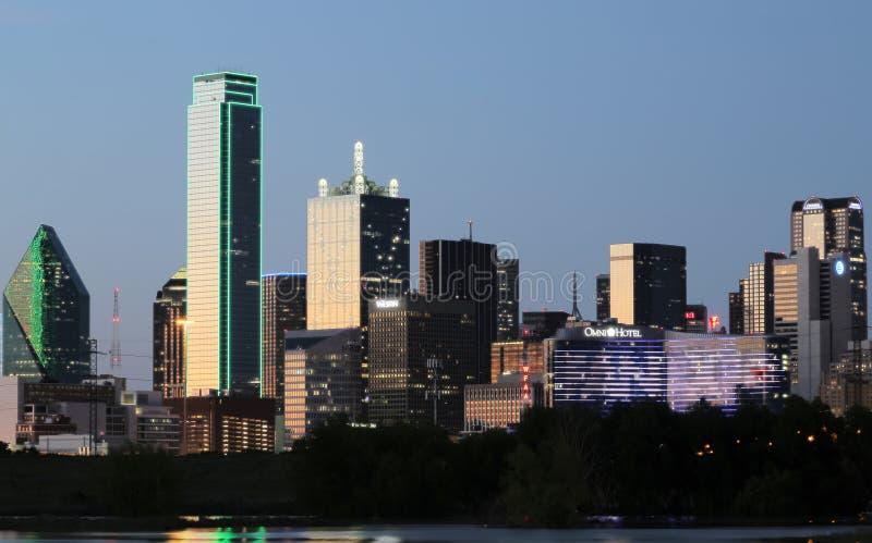 Escenas de la noche del horizonte de Dallas foto de archivo libre de regalías