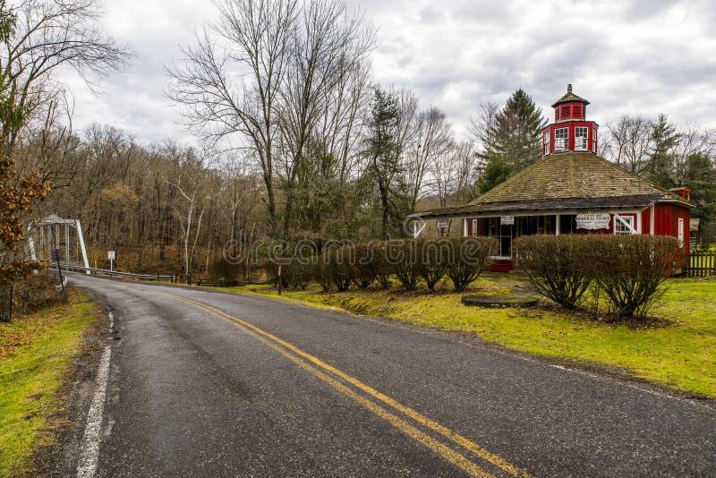 Escola histórica, loja geral & estação de correios - Fredericktown, Ohio fotos de stock royalty free
