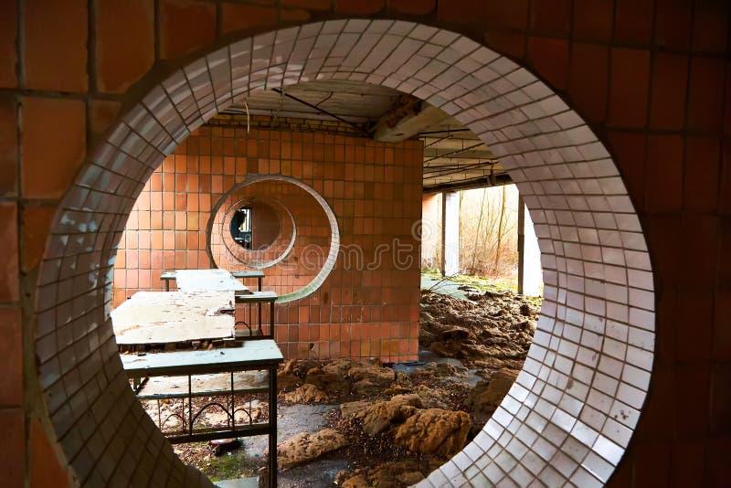 Escola na cidade de Pripyat em Ucrânia emptiness umidade Zona de exclus?o Atom5-01 (4) Cidade Pripyat de Ghost perdido fotos de stock