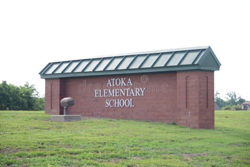 Escola primária de Atoka, Atoka, Tennessee fotografia de stock royalty free