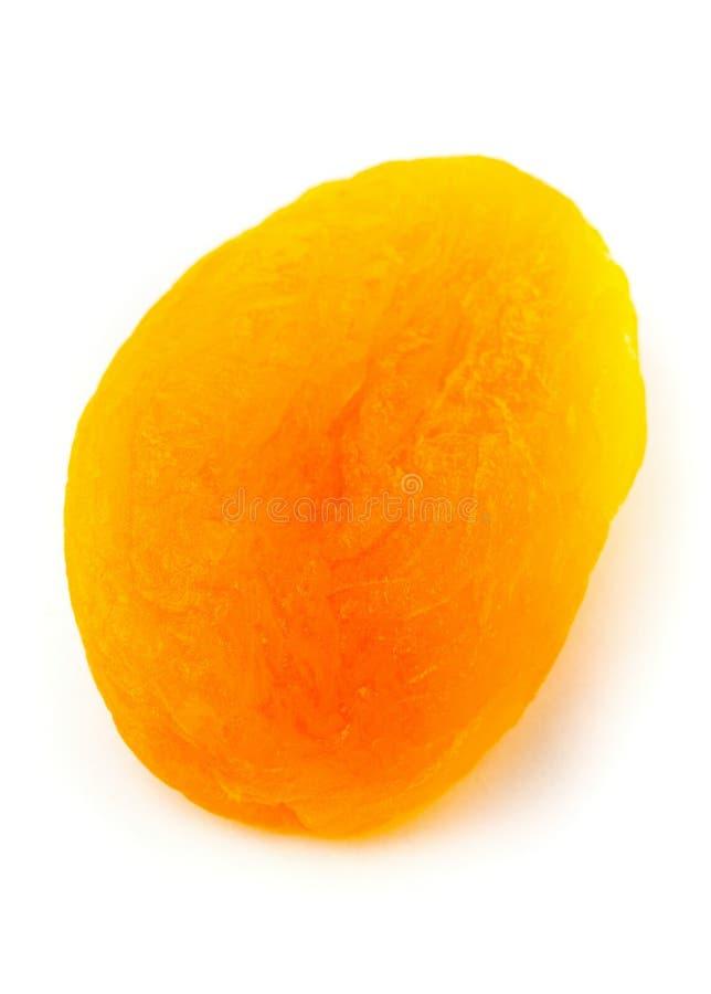 Escolha o fim do fruto do abricó secado acima sobre o fundo branco fotos de stock royalty free