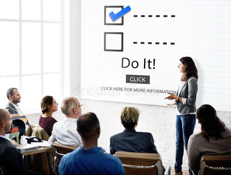 Escolhas da lista de verificação para fazer o conceito da avaliação da auditoria imagens de stock