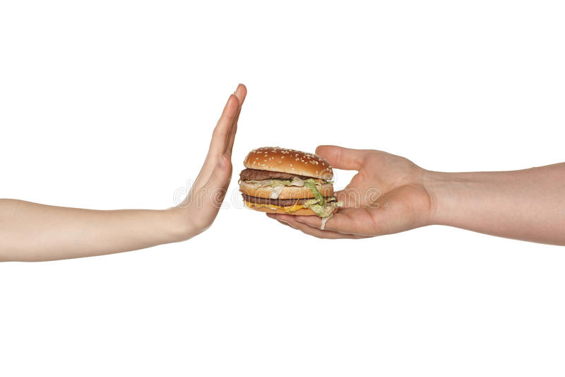 Escolhendo o conceito saudável comer. fotos de stock