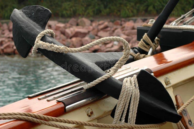 Escora do navio na plataforma imagem de stock royalty free
